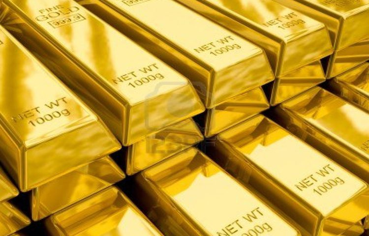 Soft Dollar and Worries over US Economy Buoy Gold