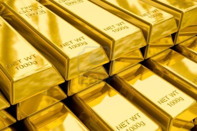 Gold eases on dollar strength, recovery seen later in 2018